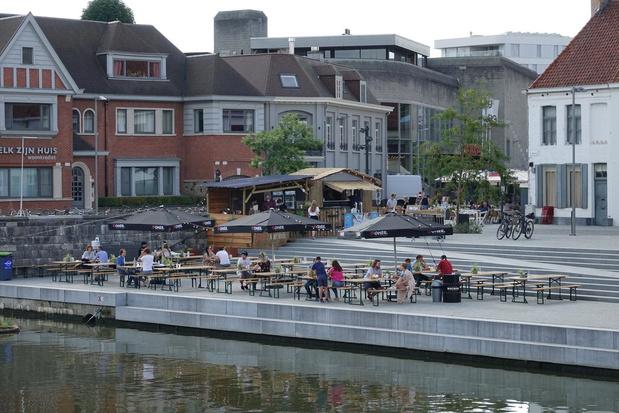 Extra grote terrassen in Kortrijk mogen blijven, maar het mag geen warboel worden