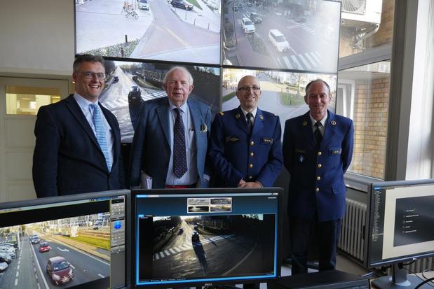Lokale politie Damme/Knokke-Heist pakt twee auto-inbrekers