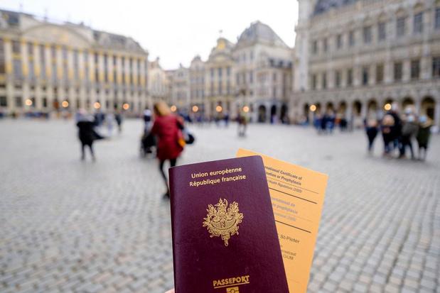 La Flandre, la Wallonie et également Bruxelles finalement en orange sur la carte ECDC