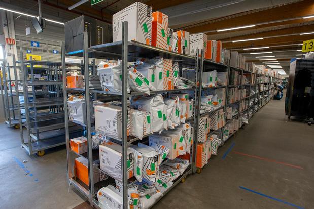 'Zeuren over het gebrek aan capaciteit om pakjes te versturen, lost de flessenhals niet op'