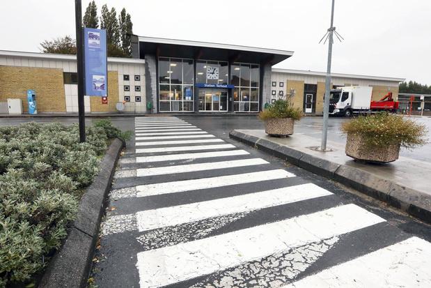 Torhout creëert regenboogzebrapad aan het station