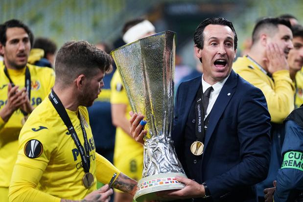 Unai Emery wint voor vierde keer op vijf finales Europa League: 'Hard werken is het geheim'