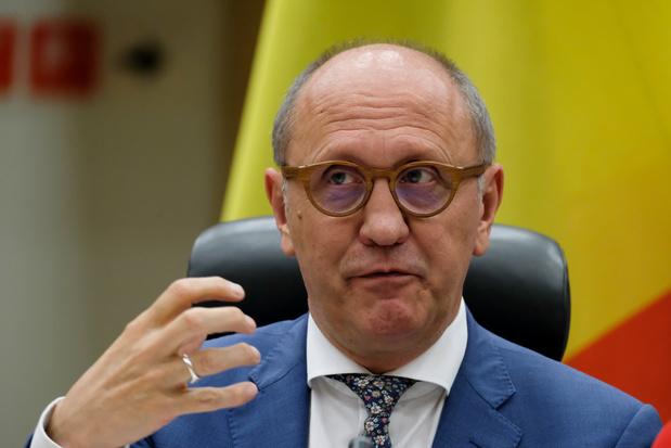 Grondwetprofessor Johan Vande Lanotte bestempelt Antwerpse avondklok als 'onwettig'