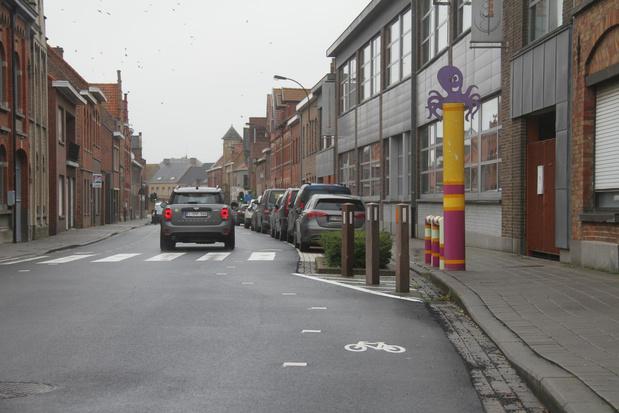 Langemark-Poelkapelle kiest voor bredere fietssuggestiestroken