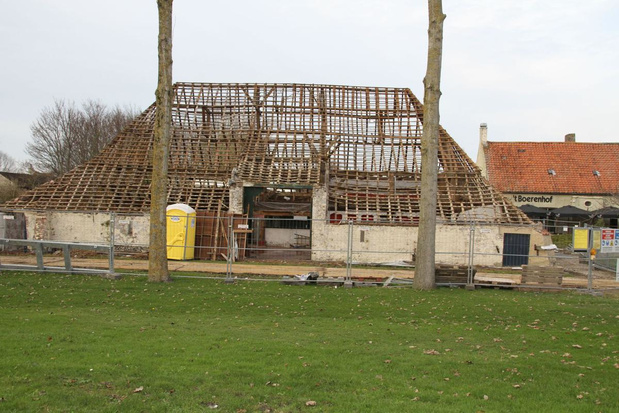 Restauratie oudste gebouw van Heist gestart