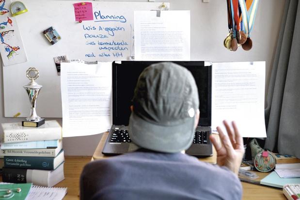 Blokken in tijden van corona: 'Speel onlinelessen versneld af'