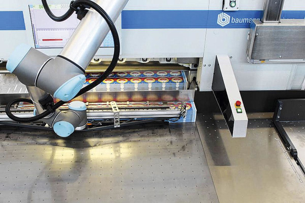 Façonnage entièrement automatique des étiquettes