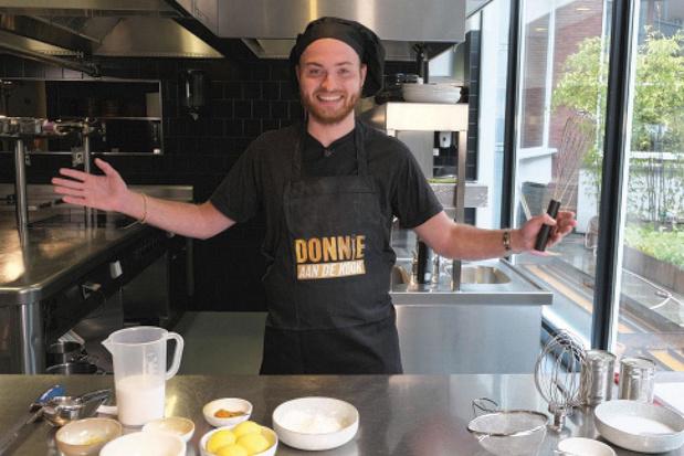 3. Kijk het vegan kookprogramma van Donnie