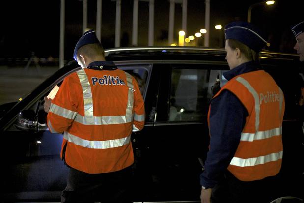 Vijf auto's aangereden bij vijfde keer onder invloed achter stuur: vier jaar rijverbod