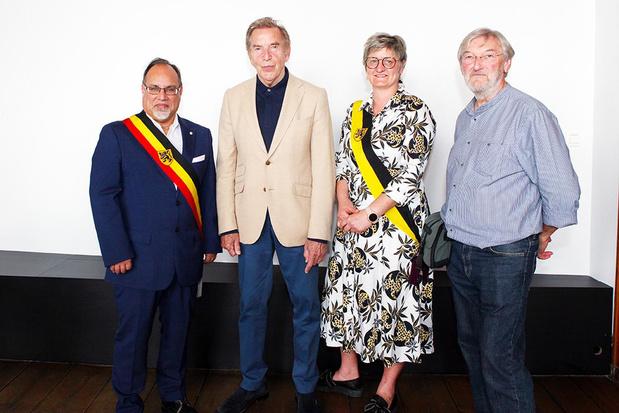 Georges Schelstraete uit Oostrozebeke maakt kunstwerk van Will Tura voor Stadsbestuur Veurne