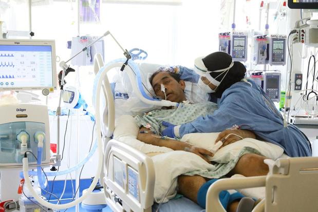 Moins de trente admissions de patients et moins de 6 décès en moyenne par jour