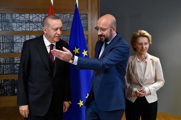 'Er zit voor de Europese Unie weinig anders op dan met Turkije te praten'