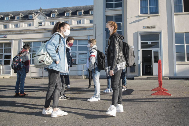 """Rentrée: les écoles ouvriront cinq jours par semaine sous le """"code jaune"""""""
