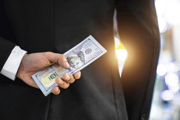 Plus de pitié pour ceux qui régularisent de l'argent au noir, vraiment ?