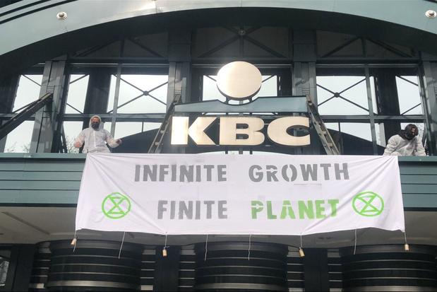 Extinction Rebellion bezet Brusselse hoofdkantoren van KBC, ING en BNP Paribas Fortis