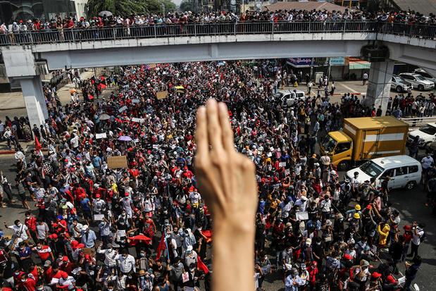 Internetblokkade houdt betogers in Myanmar niet tegen