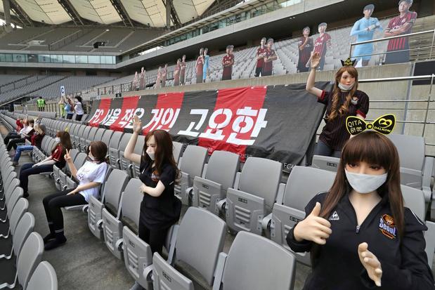 FC Seoul gebruikt 'sekspoppen' om tribunes op te vullen