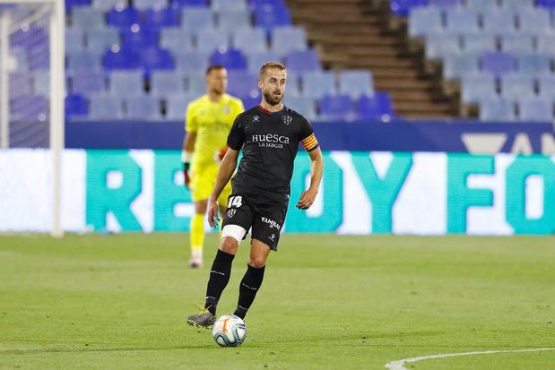 SD Huesca verovert harten met tekeningen en kapiteinsbanden