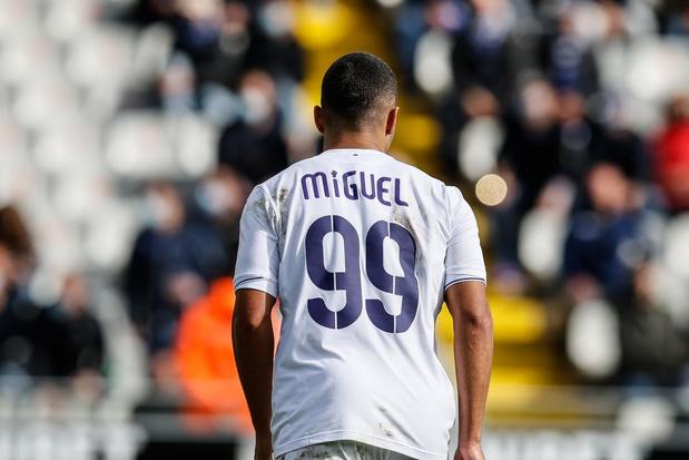 Anderlecht-shirts ter ere van Miguel Van Damme brengen bijna 6.400 euro op