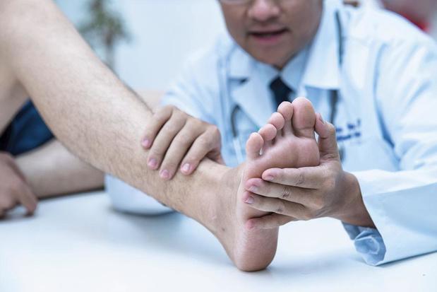 Mycoses des ongles : traiter ou pas ?
