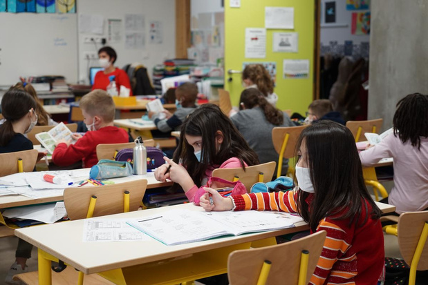 Un variant britannique du covid à tenir à l'oeil dans les écoles flamandes