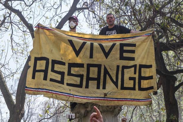 Des médecins apportent leur soutien à Julian Assange