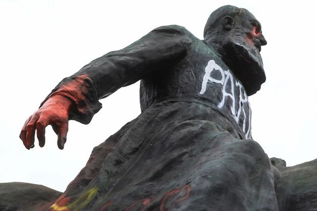 'Standbeelden zijn geen goede geschiedenisleraren'