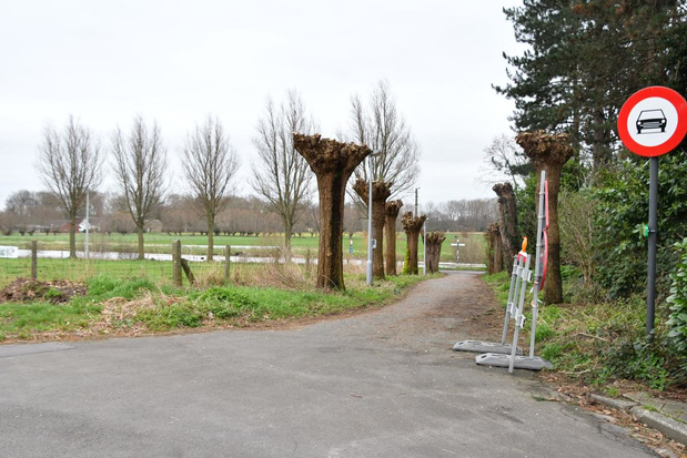 Werken aan jaagpad in Bissegem