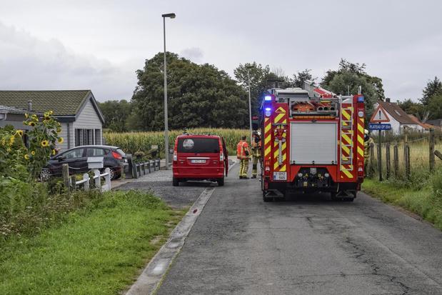 Vrachtwagen rijdt tegen gasmeter en veroorzaakt gaslek in Bieststraat in Wevelgem