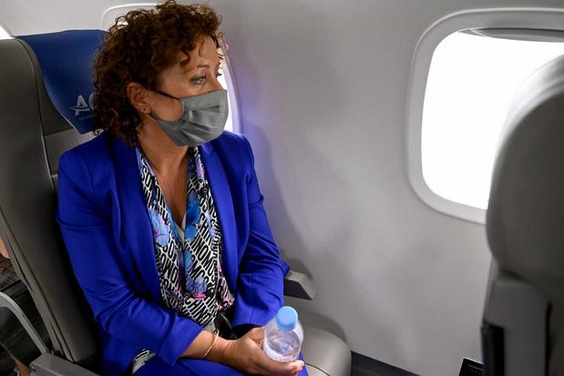 Lydia Peeters stuit op onbegrip met vlucht van Brussel naar Antwerpen