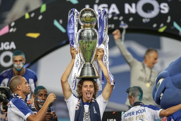 Wie is Fábio Silva, de 18-jarige tienersensatie van Wolves?