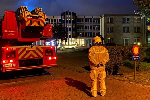 Elektrische deur zorgt voor brandgeur en rookontwikkeling