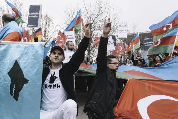 """Le mouvement d'extrême droite turc """"Loups gris"""" en Allemagne, avenir sombre"""