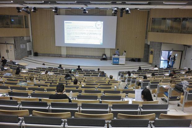 L'université d'Anvers appelle ses étudiants à ne pas suivre les règles d'assouplissement