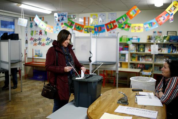 Kieslokalen geopend in Ierland: Sinn Fein hoopt op sensationeel resultaat