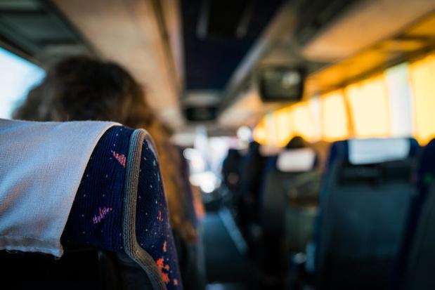 Privébussen om drukte bij De Lijn tijdens schoolspits tegen te gaan