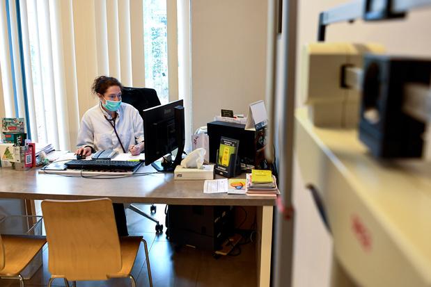 Vlaanderen wil twijfelende huisartsen overtuigen van coronavaccin