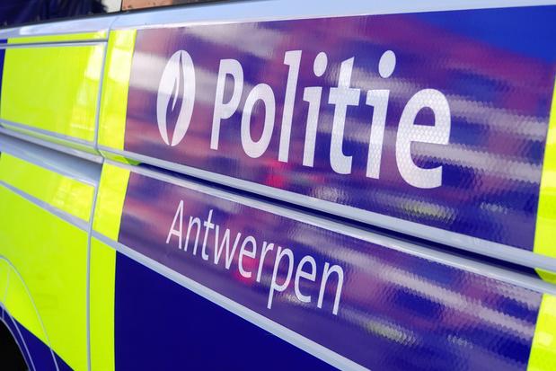 Politiecontrole op lockdownfeestje: 21-jarige sterft na val uit hotelraam, De Wever 'geschokt'
