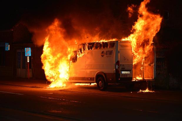 VIDEO Voertuigbrand in Ruddervoorde