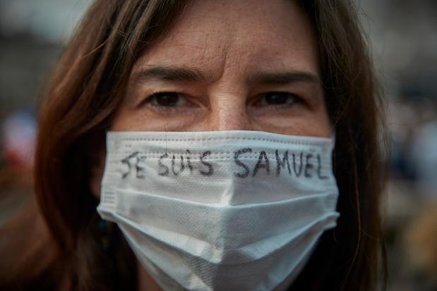 Brusselse lerares die 'Je suis Samuel Paty' lanceerde, sleept online haters voor rechter: een precedent?