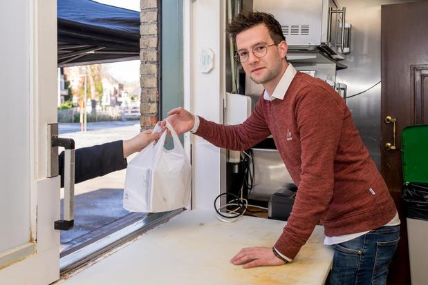 Eetcafé De Kameleon in Heule wordt tijdelijk afhaalpunt voor maaltijden