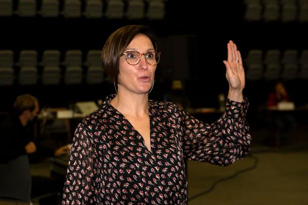 Annelies Vandenbussche (39) legt eed af als nieuwe schepen in Kuurne
