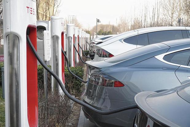 Tesla valorisée à plus de 100 milliards de dollars