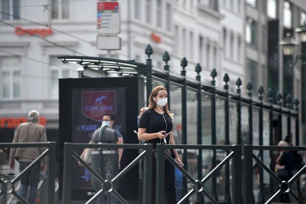 Moins de 500 contaminations par jour en Belgique, le nombre de décès frôle les 10.000