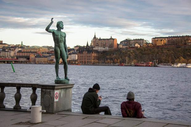 L'adhésion au vaccin en hausse, selon une étude internationale (76% en Suède)
