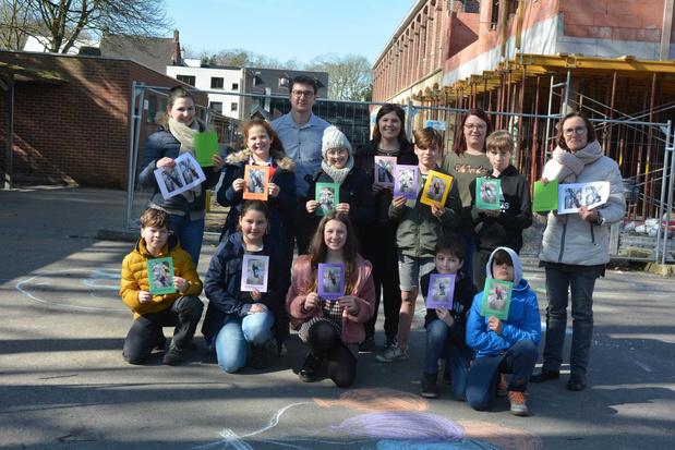 Oostrozebeekse kinderen maken tekeningen voor bewoners van WZC Rozenberg