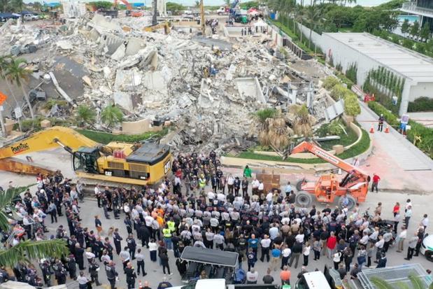 Zoeken naar overblijfselen slachtoffers ingestorte flatgebouw Miami gestaakt