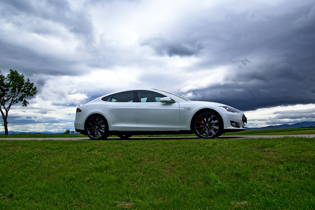 VS willen dat Tesla 158.000 voertuigen terugroept voor veiligheidsprobleem