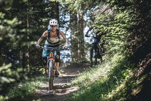De Ronde van Gstaad: Fietsen in de Alpen in je eigen tempo