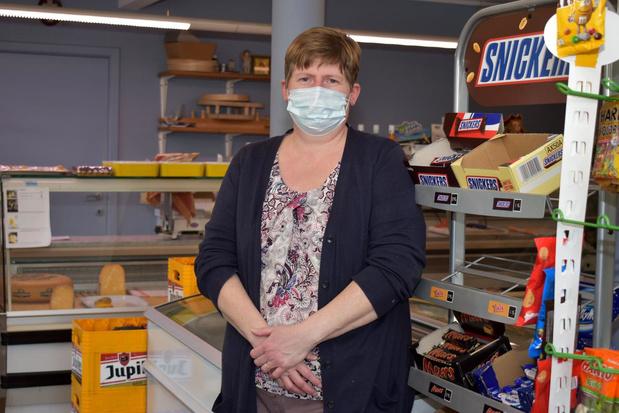 Veerle Verkinderen baat al 25 jaar dorpswinkel 't Hoekske uit